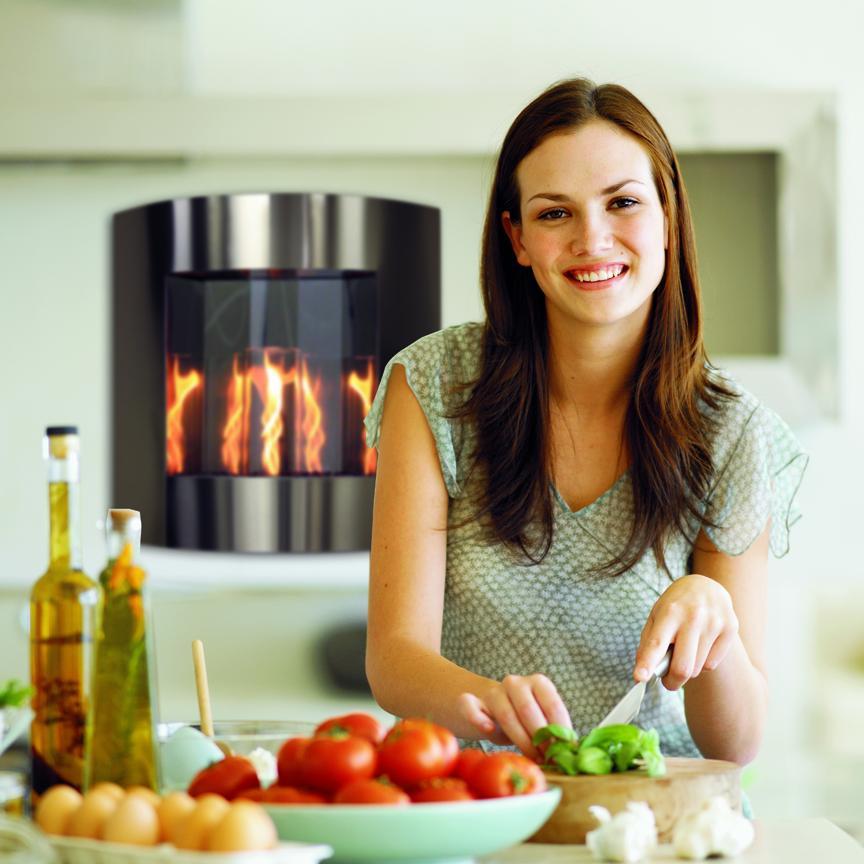 inspiration_kitchen_woman_web